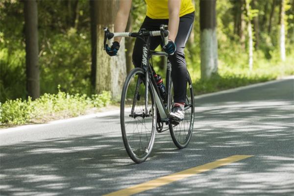 研究表明:骑自行车可促进肾衰透析患者的心脏健康,多个方面有所改善