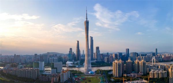 """广州遥居榜首!27个省会中11城GDP超万亿 四个新一线龙头城市""""并驾齐驱"""""""