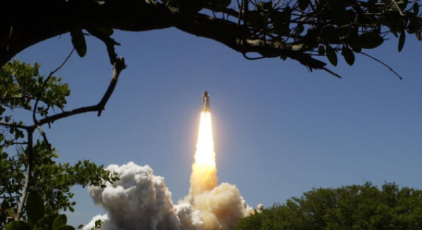俄罗斯载人飞船发射成功,3名宇航员将在太空停留半年
