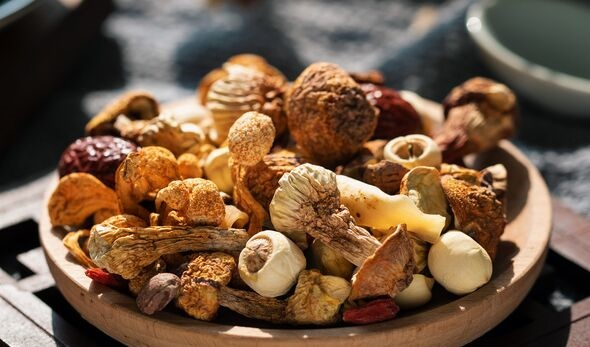 每天吃18克蘑菇比不吃蘑菇患癌风险降低45%,尤其是乳腺癌!