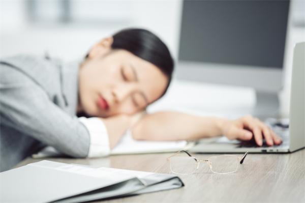 职场家庭两手都要抓!新时代女性压力大更容易患上冠心病