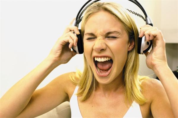 尖叫就是在放大恐惧?人类尖叫声传达至少6种情绪,积极表达更为频繁