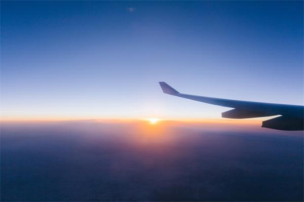 央视曝随心飞机票并不随心:机票特别不好兑换,航班取消也算消费者违约