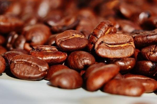 喝下一口咖啡后,你的大脑发生了什么?