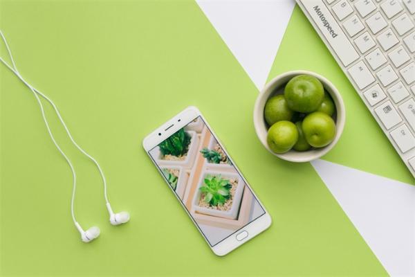 三星回应新款耳机疑似引发耳部炎症,入耳式耳机真的安全吗?