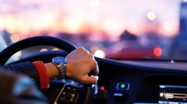 开车压力大、焦虑又烦躁?不怪你,都是红绿灯和堵车的锅!