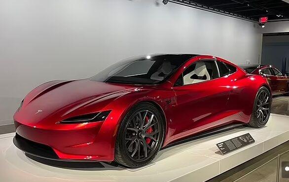 马斯克使出杀手锏!特斯拉Roadster跑车装上SpaceX火箭推进器 1.1秒从0加速至60迈/时