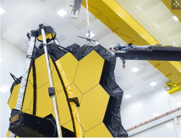 韦伯望远镜最后一次在地球打开主镜:5个月后将升空,接替哈勃望远镜