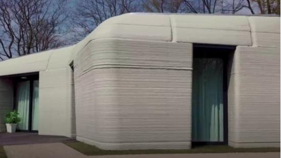 荷兰首个3D打印房屋被租出!94平米月租金6000多人民币,看着像块巨石