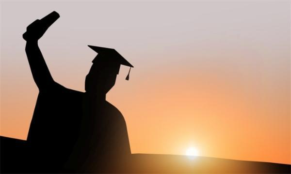 再创新高!2021全国高校毕业生909万,同比增加35万
