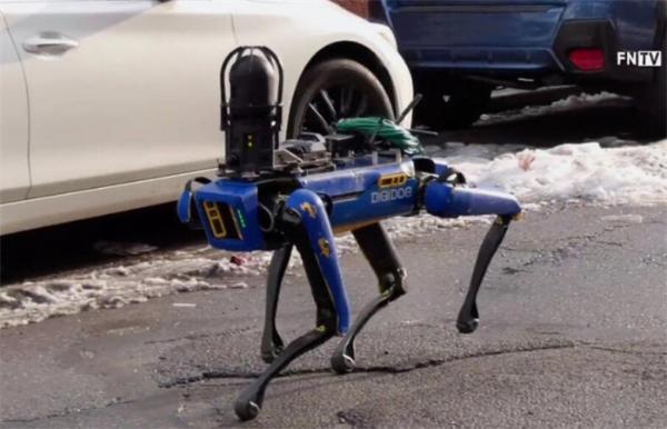 """人类赢了!美国纽约警局引进""""机器警犬""""遭民众反对,提前下岗"""