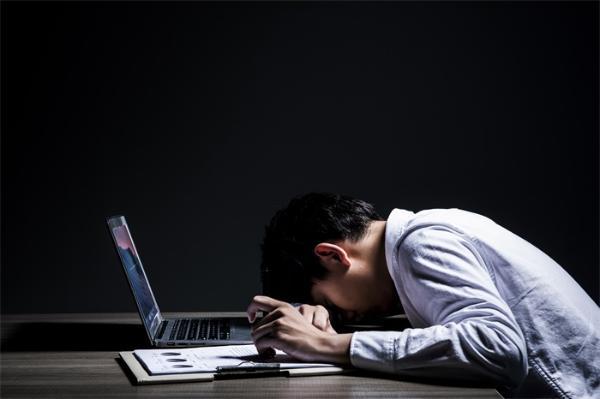 内卷是好事?清华教授称内卷是教育的筛选功能,躺平态度极不负责