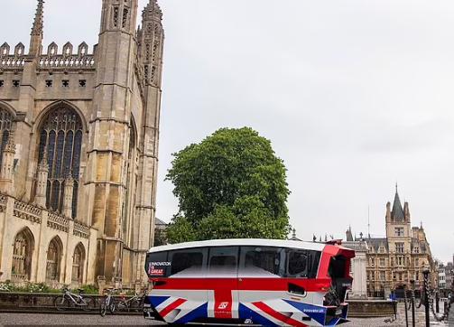 英国首辆自动驾驶穿梭巴上路,挑战真实世界主干道