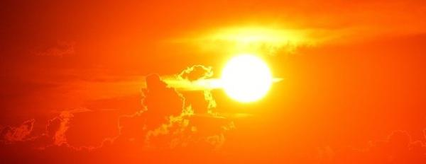 为什么太阳的大气层比其表面热几百倍?80年前的理论终于得到证实