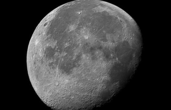 是你熟悉的吗?月球上新增8个中国地名:沈括、华山、衡山……
