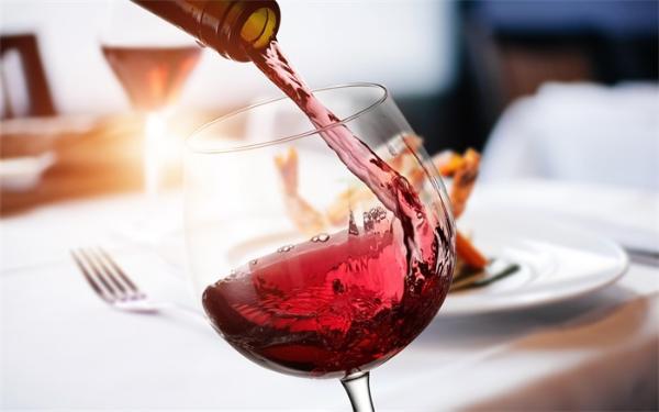 在太空待了14个月的葡萄酒将被拍卖:1瓶售价100万美元,味道发生微妙变化