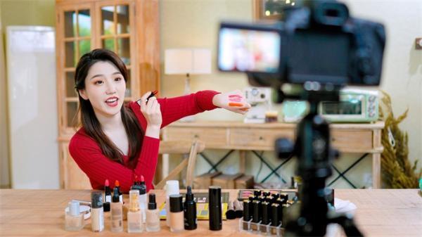 AI加持!百度公开一项虚拟试妆专利,还可向用户推荐合适的试妆品