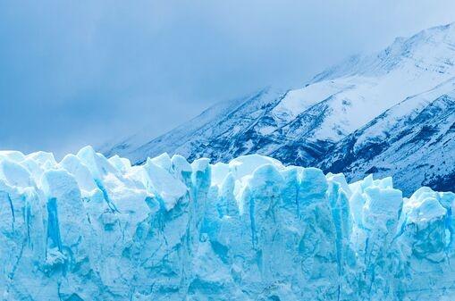"""5500米!我国地面机器人首次高海拔冰川科考:""""攀登者""""不惧低温、风雪"""