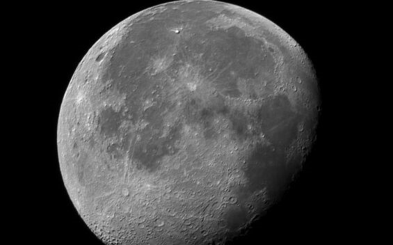 为载人登月做准备!美国今年将启动月球背面探险计划,公布了三项新任务