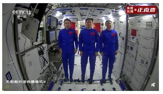 中国空间站网速可达1.2Gbps!外媒记者羡慕:相当于5G网速,比在地球还快