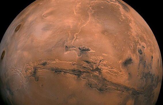 """地外文明?UFO猎人在火星表面发现神秘""""人脸"""":嘴巴张开像在大声说话"""
