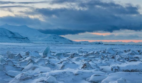 科学家发出北极夏季无冰警告:我们或是见证北极冰雪覆盖的最后一代人!
