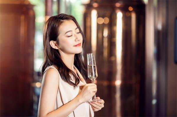 世卫建议15-49岁的育龄女性禁酒,研究:酒精和精子质量相关