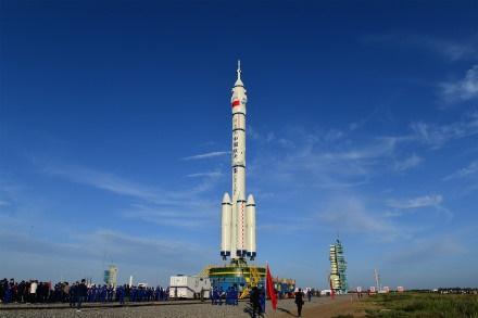 已就位!神舟十二号组合体转运至发射区,6月将送3名航天员上太空