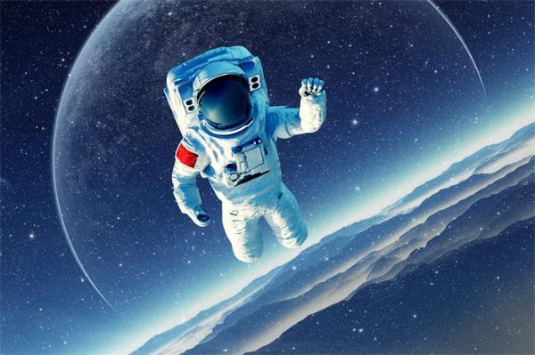 """睡觉自由!3名航天员在空间站不用值夜班,天地一体化实时监测太""""高能"""""""