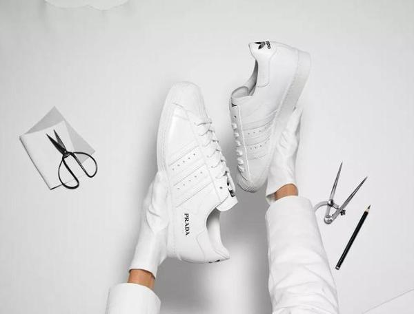 Adidas与Prada再次推出联名系列