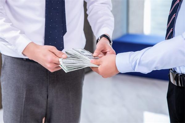 雷军:小米再颁股票激励计划,奖励约1.2亿股小米股票