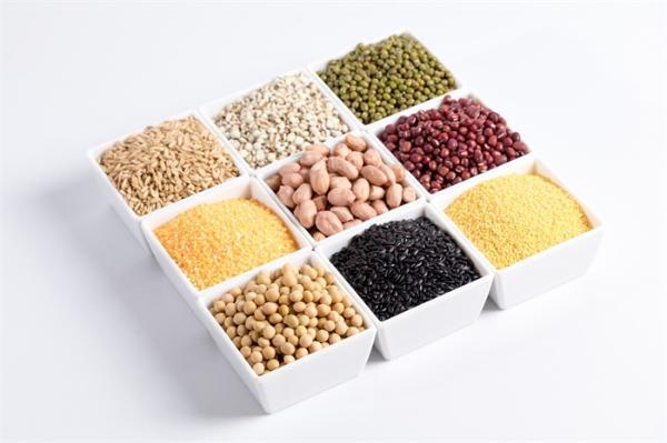 女性要多吃!植物性的、富含大豆的饮食,可以减少84%麻烦的更年期症状