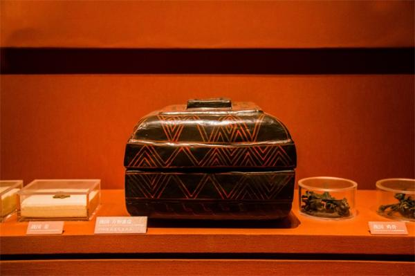 重磅发现!浙江余姚井头山遗址发现中国最早漆器