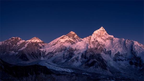 西藏冰川冰中发现15000年前的未知病毒
