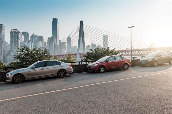 新算法让自动驾驶汽车达到拟人新高度:能够判断来车意图