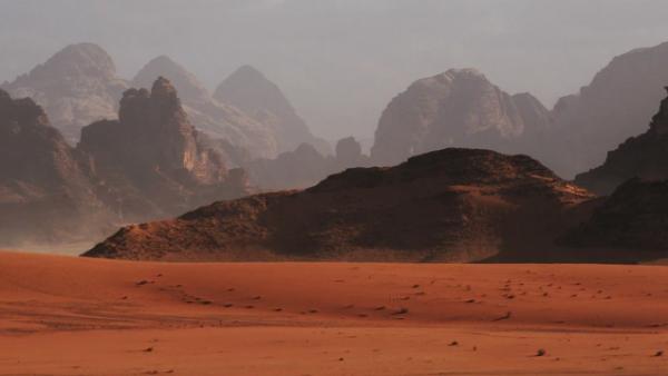 """""""好奇""""号发现火星粘土矿物层存在被破坏的痕迹,被盐水分解成了氧化铁"""