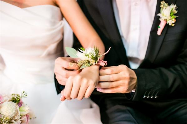 """""""一见钟情""""概率太小!研究显示:三分之二的情侣一开始都是朋友"""