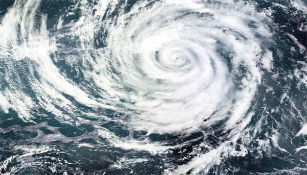 全球第一台!这台漂浮式海上风电机组可抗17级台风