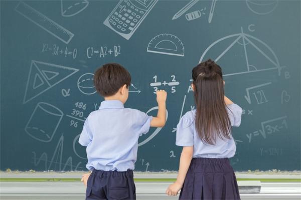 如何提升孩子的数学成绩?无需补习班,只要从小培养这种思维