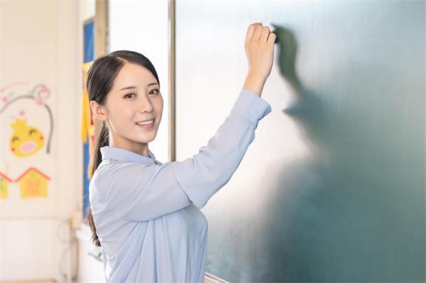 正式发文!广东将杜绝省内高校之间挖抢人才,努力解决青年教师后顾之忧
