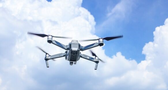 优化!麻省理工开发出一种新算法,可帮助无人机飞行避障速度加快20%