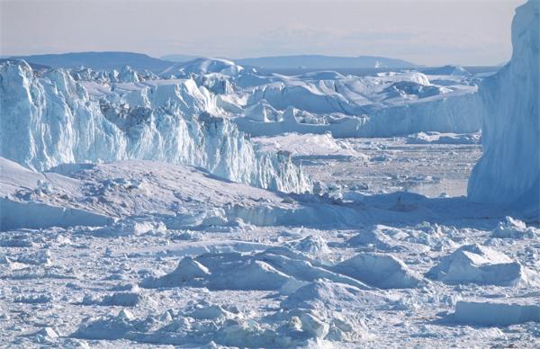 格陵兰一天内融冰超85亿吨 若彻底融化将致全球海平面上升7米