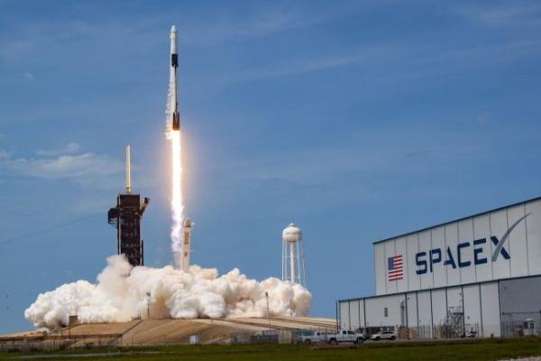 震撼!马斯克晒出SpaceX超重型助推器:和星际飞船加起来高达近120米