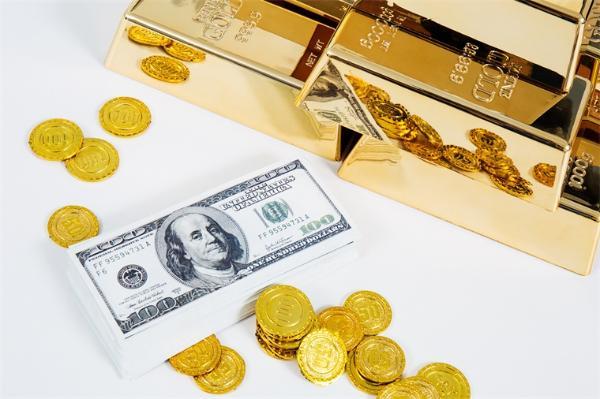 全球最富女歌手Rihanna身价上百亿!主业是企业家?