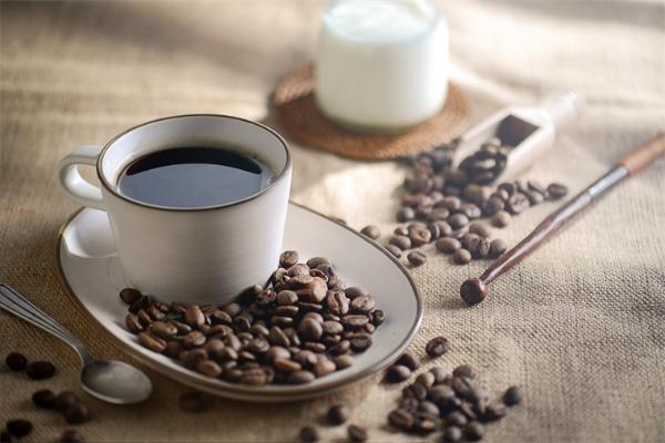 """瑞幸咖啡实现集团整体盈利!员工:""""咖啡不是一门坏生意"""""""