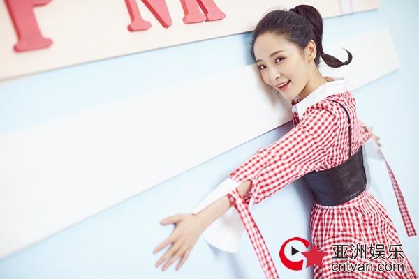 李曼生日写真曝光  俏皮灵动演绎初夏Pink Girl - 风声 - 亚洲娱乐网-传递时尚娱乐生活新资讯