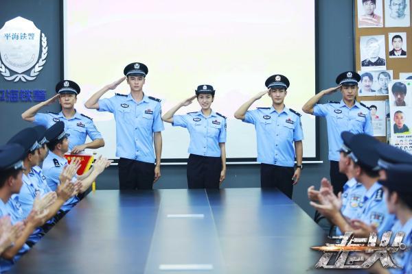"""""""小正大""""缔造主流精品+爆款正剧《走火》今晚收官"""