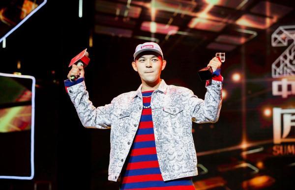 音乐唱作人黄旭全新单曲《Flow》抢先上线面对生活在音乐里寻找答案