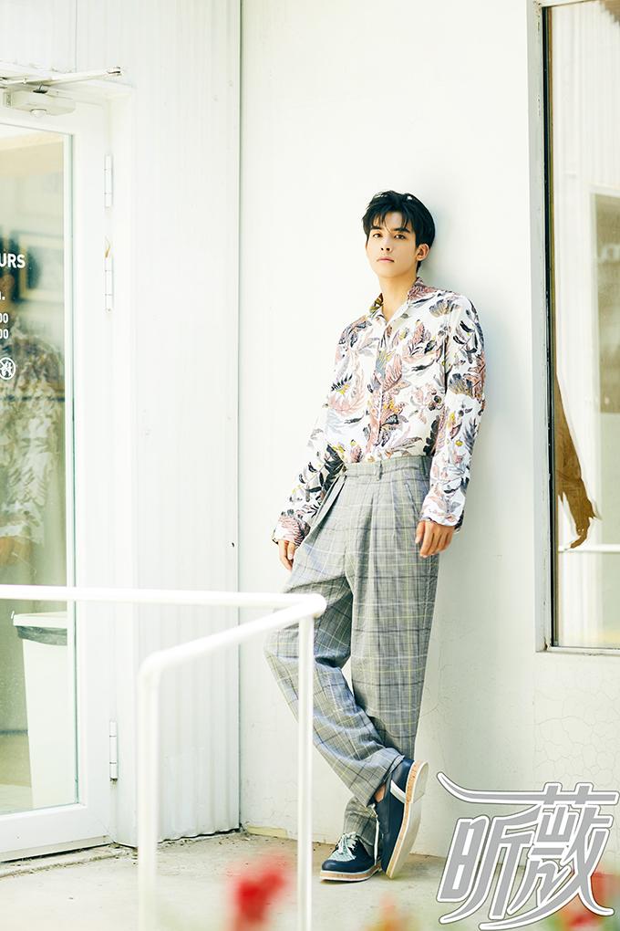 宋威龙最新杂志大片曝光 风格多变演绎夏日时尚