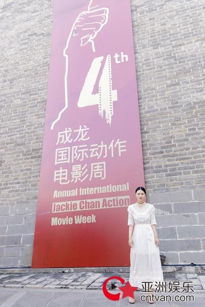 拼接香港电影海报